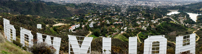 Panoramic view of the Hollywood Sign from the top of Mt. Lee/ James Gubera, Los Angeles.