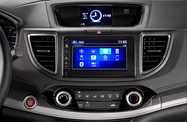 The Honda CRV 2015's 7-inch touch DVD / Navi / Radio / MP3 Player.
