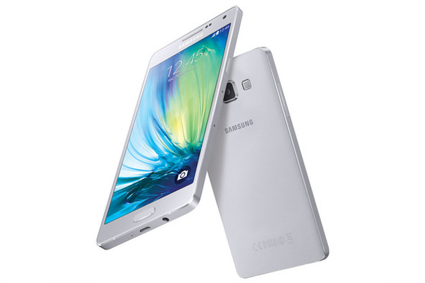 The Samsung Galaxy A5 is definitely a Looker!