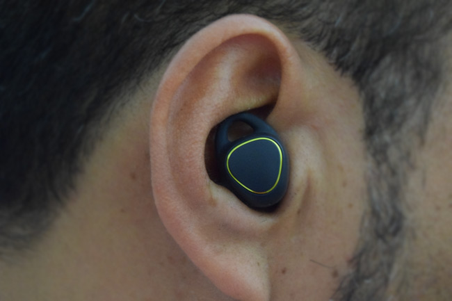 The thing I like the most about my Samsung Gear IconX earbuds is that you hardly feel their existence. They are so light!
